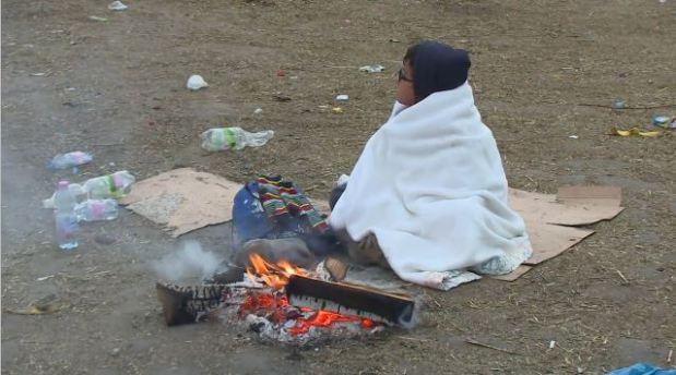 جوانی پناهجو تنها در بیابان