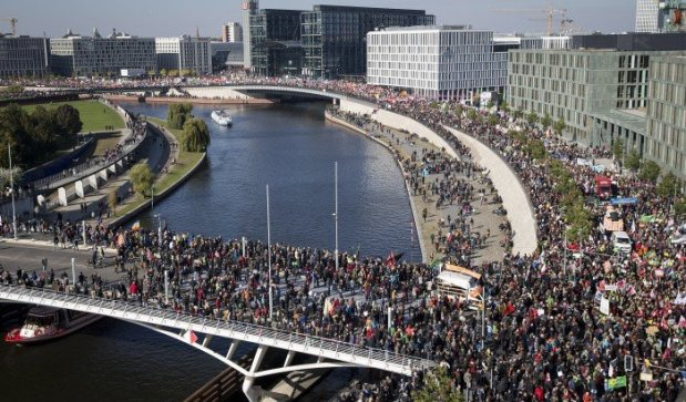 serveImage.phpتظاهرات برلن علیه تی تی آی پی 1